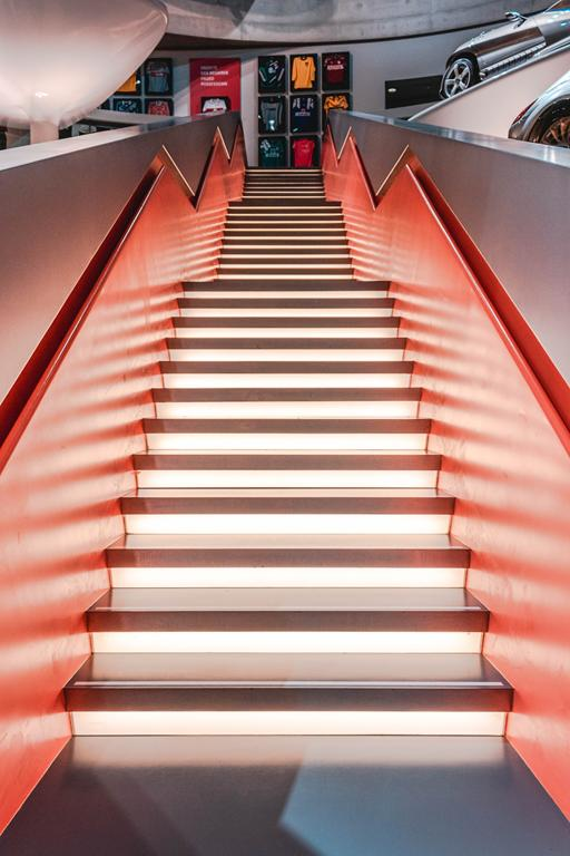 Jak często chodzicie po marmurowych schodach?